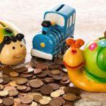 bani de buzunar, pusculite colorate dragute de ceramica, sub forma de jucarii, bani marunti, fise, monede