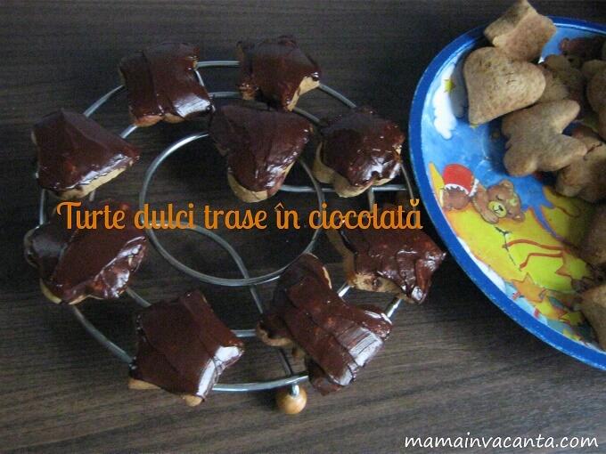 turta dulce de casa cu miere, trasa in ciocolata